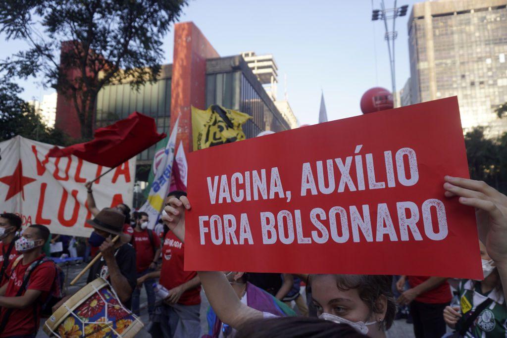 proteste contro bolsonaro